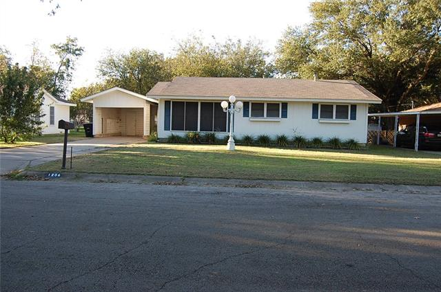 Photo of 1206 Greenbriar Lane  Cleburne  TX