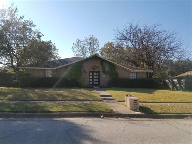 Photo of 706 Waynelee Drive  Lancaster  TX