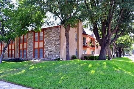 Photo of 6005a Danbury Lane  Dallas  TX