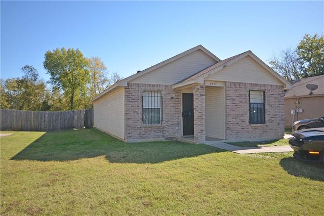 Photo of 2913 Dillard Street  Fort Worth  TX