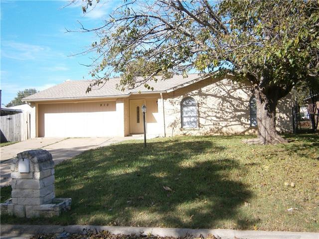 Photo of 910 Middleton Avenue  Grand Prairie  TX