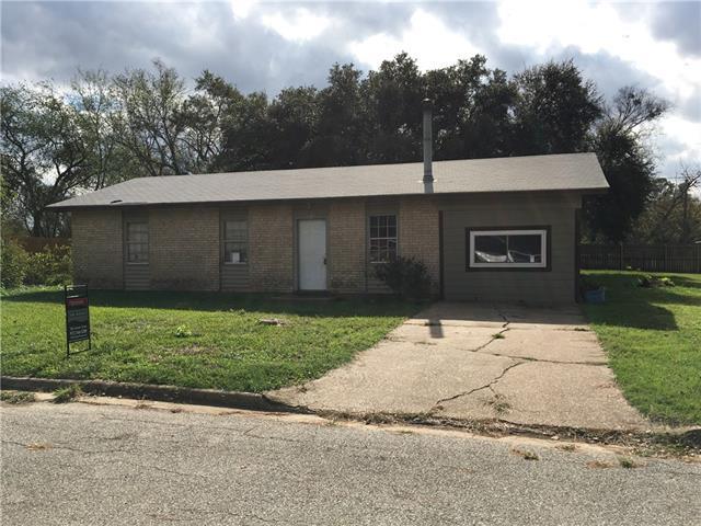 Photo of 404 E Pine Street  Malakoff  TX