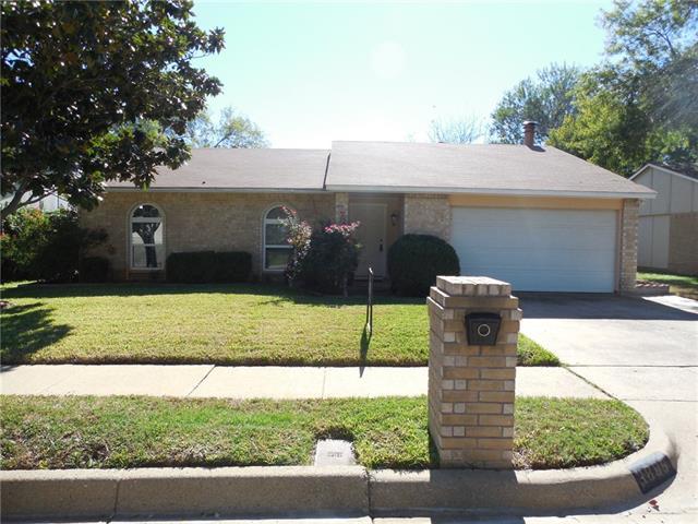 Photo of 3805 Bridalwreath Drive  Fort Worth  TX