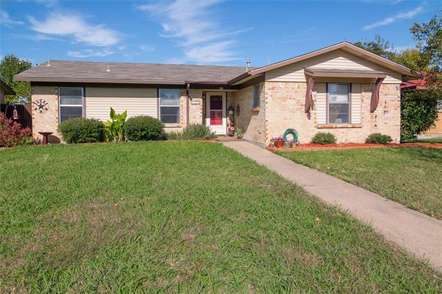 Photo of 917 Meadow Mead Drive  Allen  TX