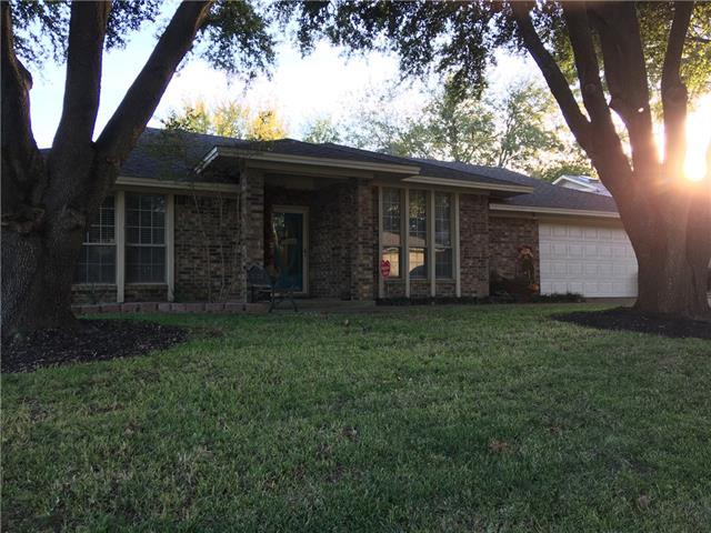 Photo of 413 Meadowhill Drive  Benbrook  TX