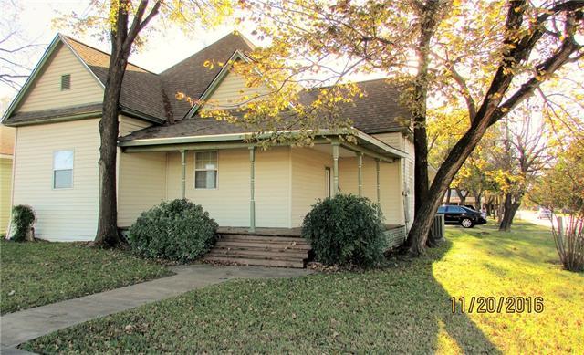Photo of 909 NW Main Street  Ennis  TX