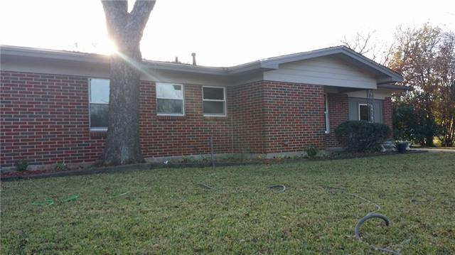 Photo of 400 Hillcrest Street  Mansfield  TX