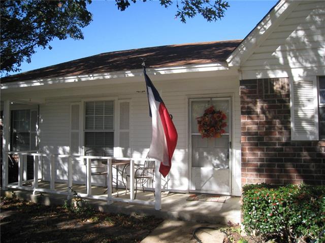 Photo of 40 N Sharon Drive  Krum  TX