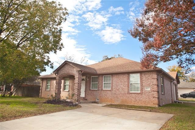 Photo of 107 S Lakeview Drive  Lake Dallas  TX