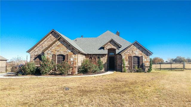 105 Cora Ct, Springtown, TX 76082