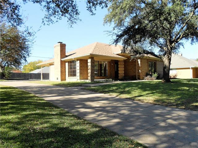 Photo of 4008 Snow Creek Drive  Fort Worth  TX