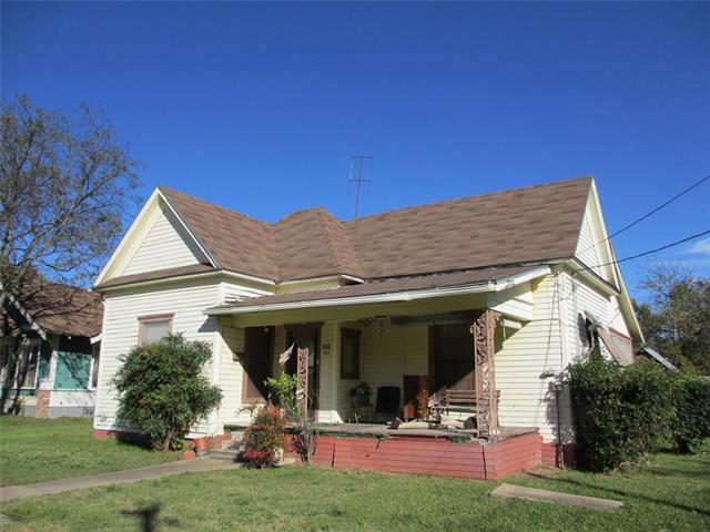 Photo of 111 S Pleasant Street  Hillsboro  TX