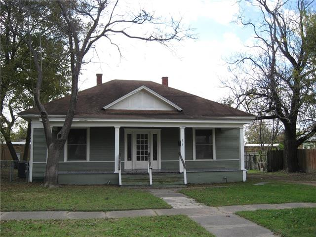 Photo of 304 E Brin Street  Terrell  TX