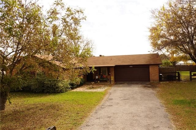Photo of 808 Barry Lane  Cleburne  TX
