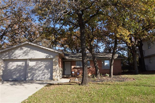 Photo of 712 Timberline Street  Kennedale  TX