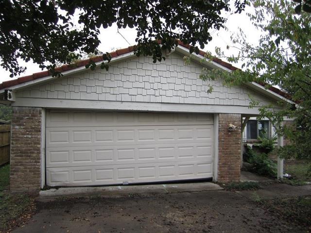Photo of 207 S Casa Grande Circle  Duncanville  TX