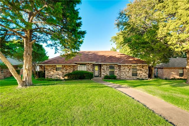 Photo of 235 N Beltwoods Drive  DeSoto  TX