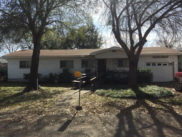 Photo of 810 E Howell Street  Mexia  TX