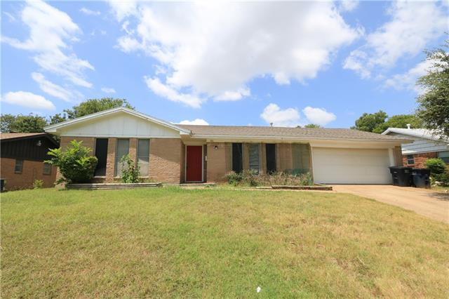 Photo of 7816 Pebbleford Road  Fort Worth  TX