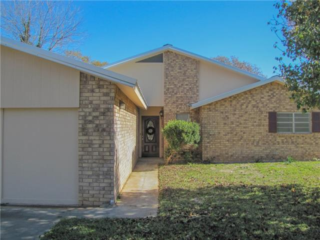 Photo of 525 S Lamar Street  De Leon  TX