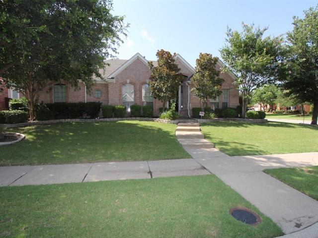 Photo of 2419 Lakewood Drive  Grand Prairie  TX