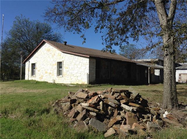 Photo of 209 S Live Oak Avenue  Hubbard  TX