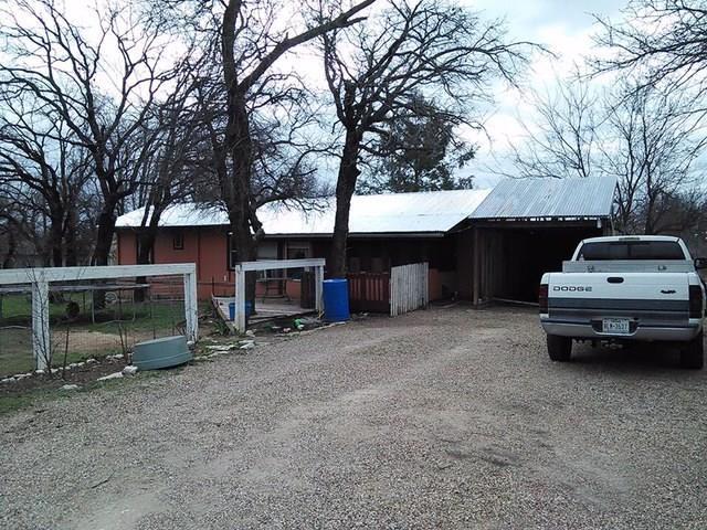 Photo of 4001 Nebraska Trail  Granbury  TX