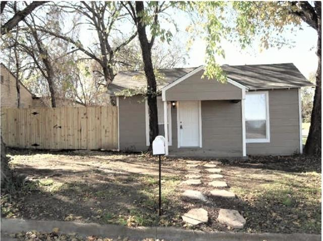 Photo of 802 Cross Timber Street  Denton  TX