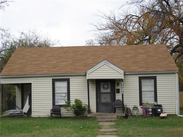 Photo of 1121 Maryell Street  Terrell  TX