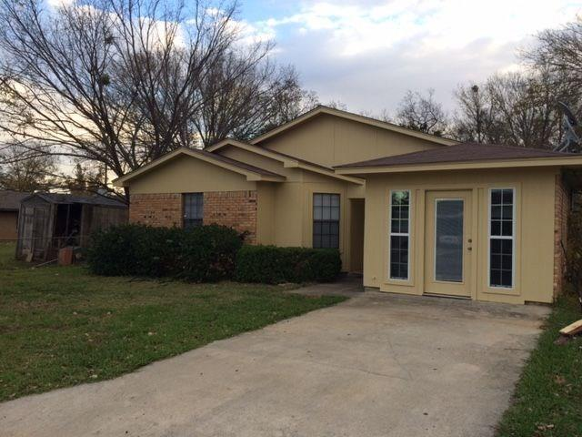 Photo of 809 Carver Street  Whitesboro  TX