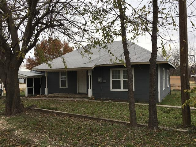 Photo of 404 W Elm Street  Alvord  TX