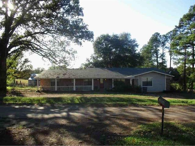 Photo of 224 County Road 2995  Hughes Springs  TX