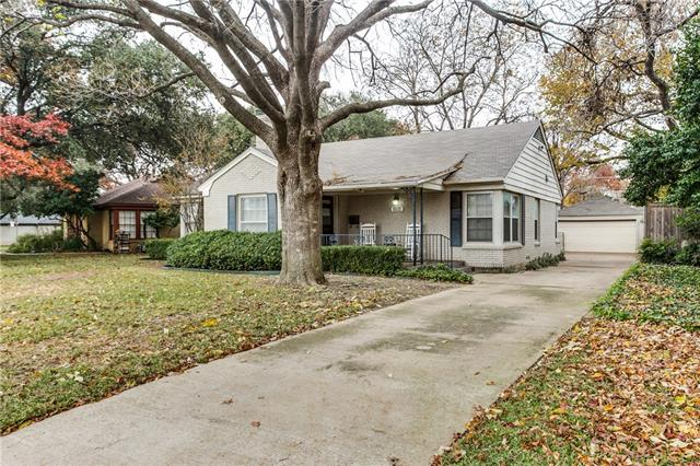 Photo of 3200 S Hills Avenue  Fort Worth  TX