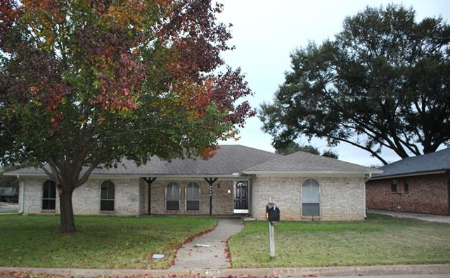 Photo of 4028 Lynbrook Lane  Arlington  TX