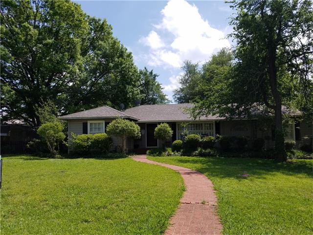 Photo of 407 Walcott Street  Honey Grove  TX