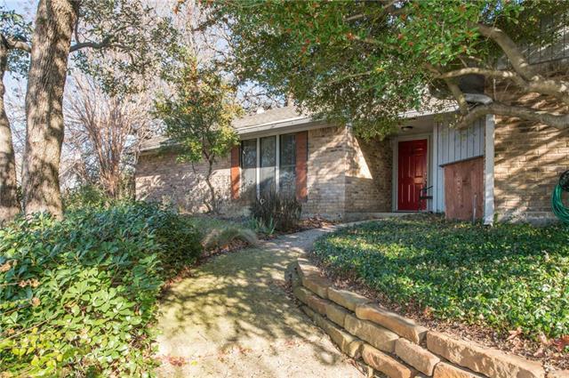 Photo of 2200 Crooked Oak Court  Arlington  TX