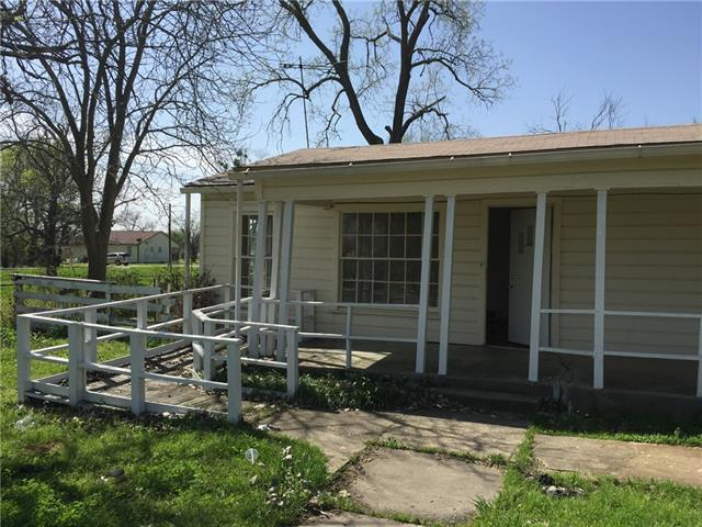 Photo of 204 Stallings Street  Terrell  TX