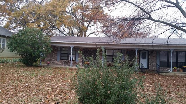 Photo of 225 Center Street  Whitesboro  TX