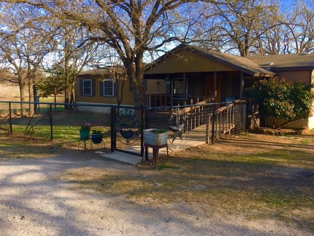 Photo of 503 Maddux Road  Weatherford  TX