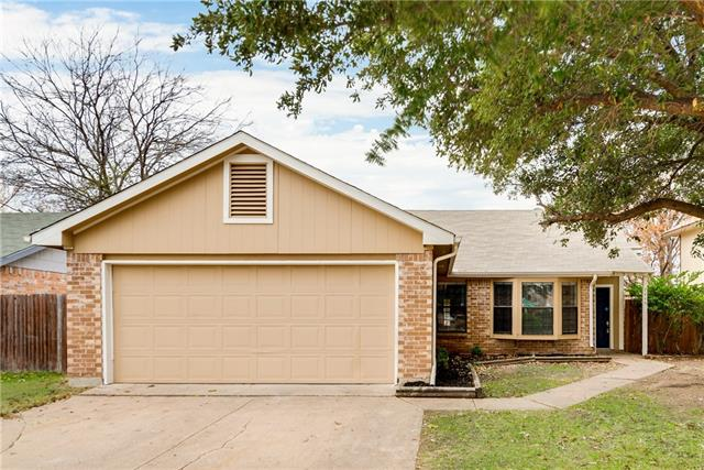 Photo of 7445 Creekfall Drive  Fort Worth  TX