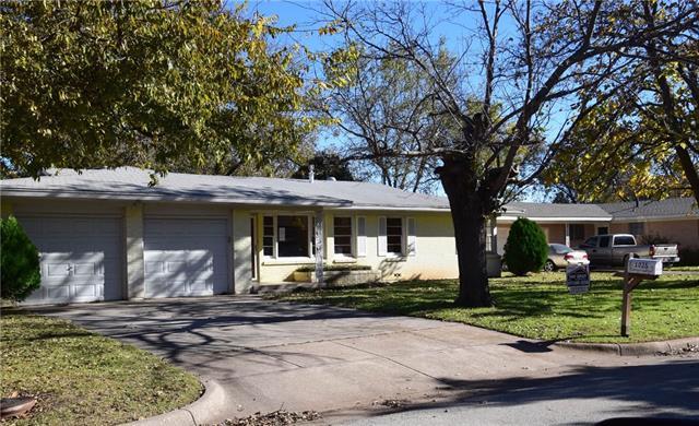 Photo of 1025 Park Center  Benbrook  TX