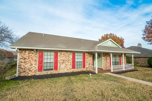 Photo of 1009 Whitewater Trail  DeSoto  TX