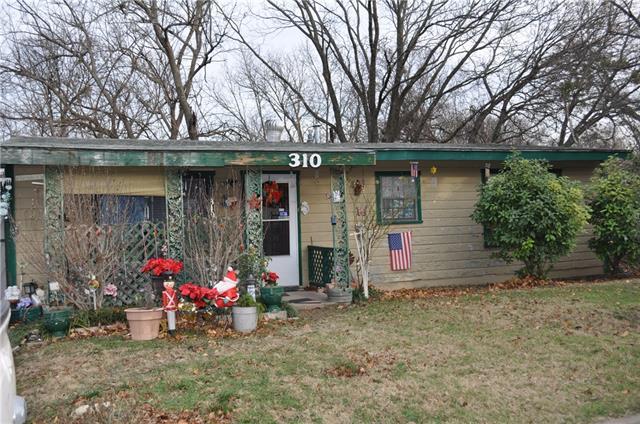 Photo of 310 Harmon Street  Weatherford  TX