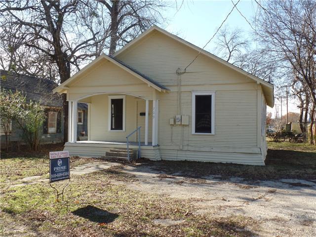 Photo of 709 N Weaver Street  Gainesville  TX