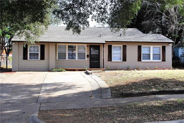 Photo of 2604 S Llewellyn Avenue  Dallas  TX