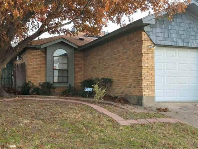Photo of 2317 Woodmont Trail  Fort Worth  TX
