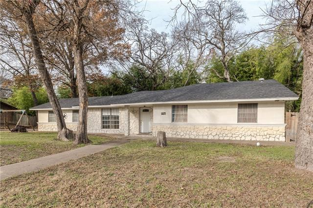 Photo of 429 Woodlawn Drive  DeSoto  TX