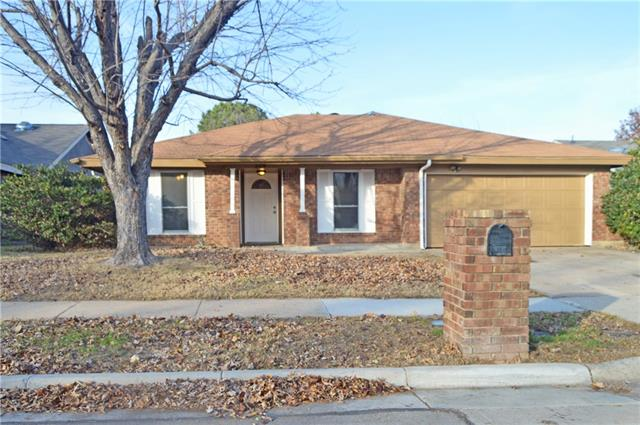 Photo of 209 Juniper Drive  Arlington  TX
