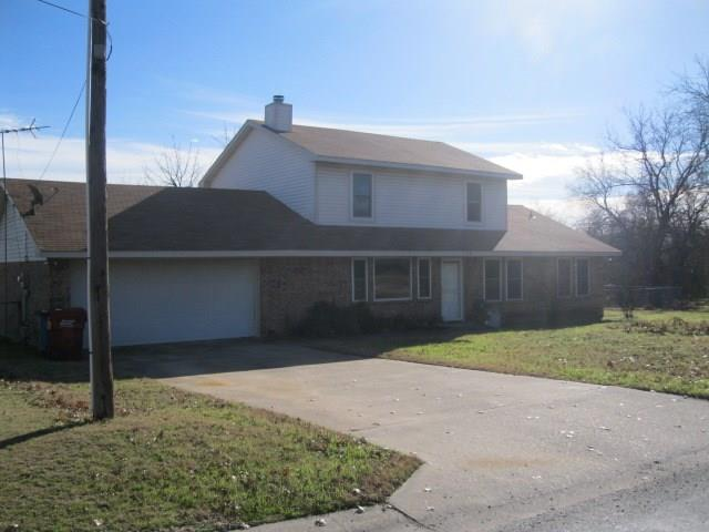 Photo of 120 Wilcoxson Street  Farmersville  TX