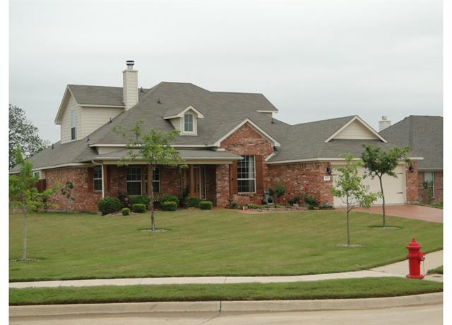 Photo of 1037 Jake Circle  Kennedale  TX